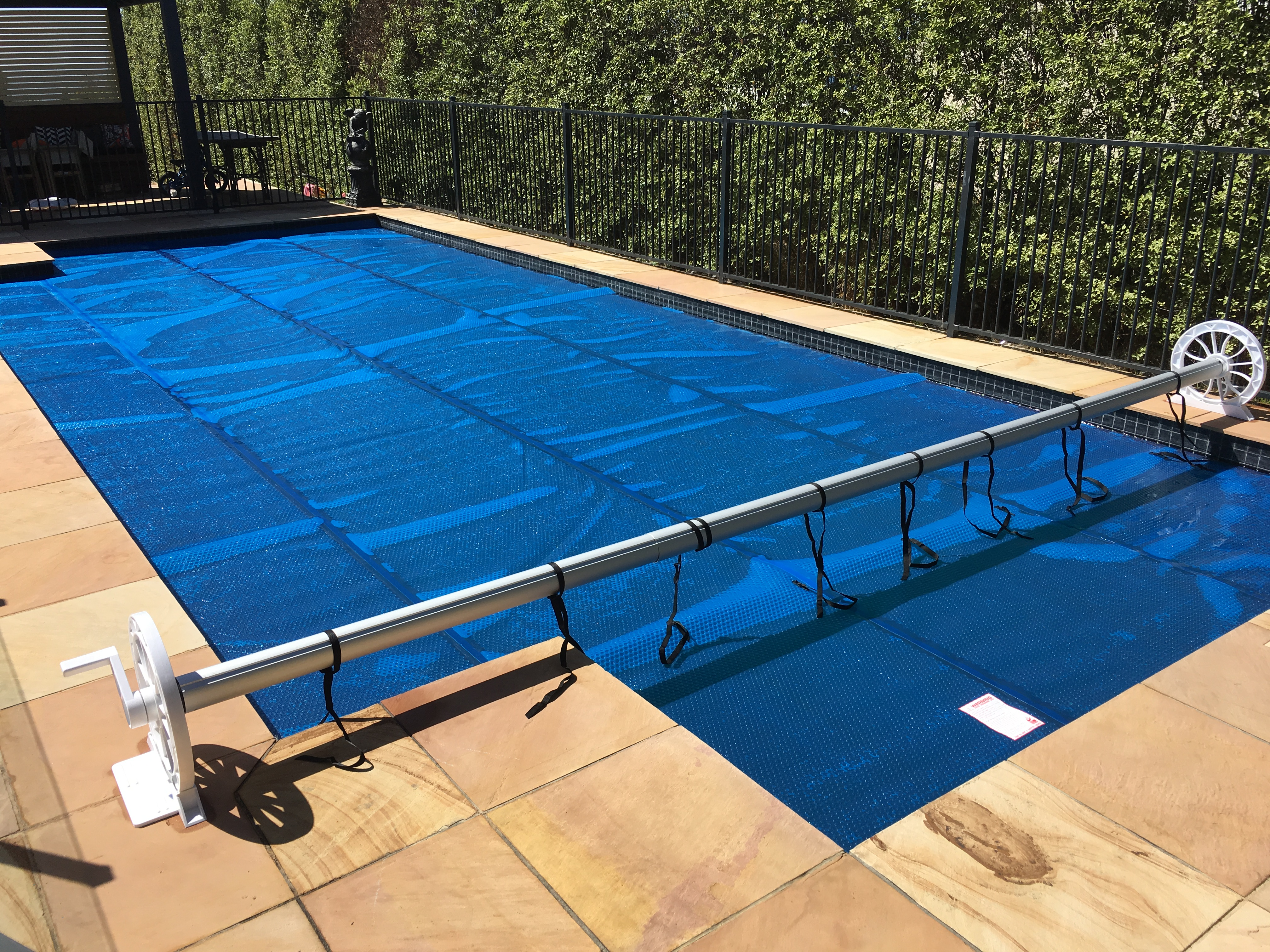 Reel position aqua pool covers melbourne australia for Swimming pool covers melbourne