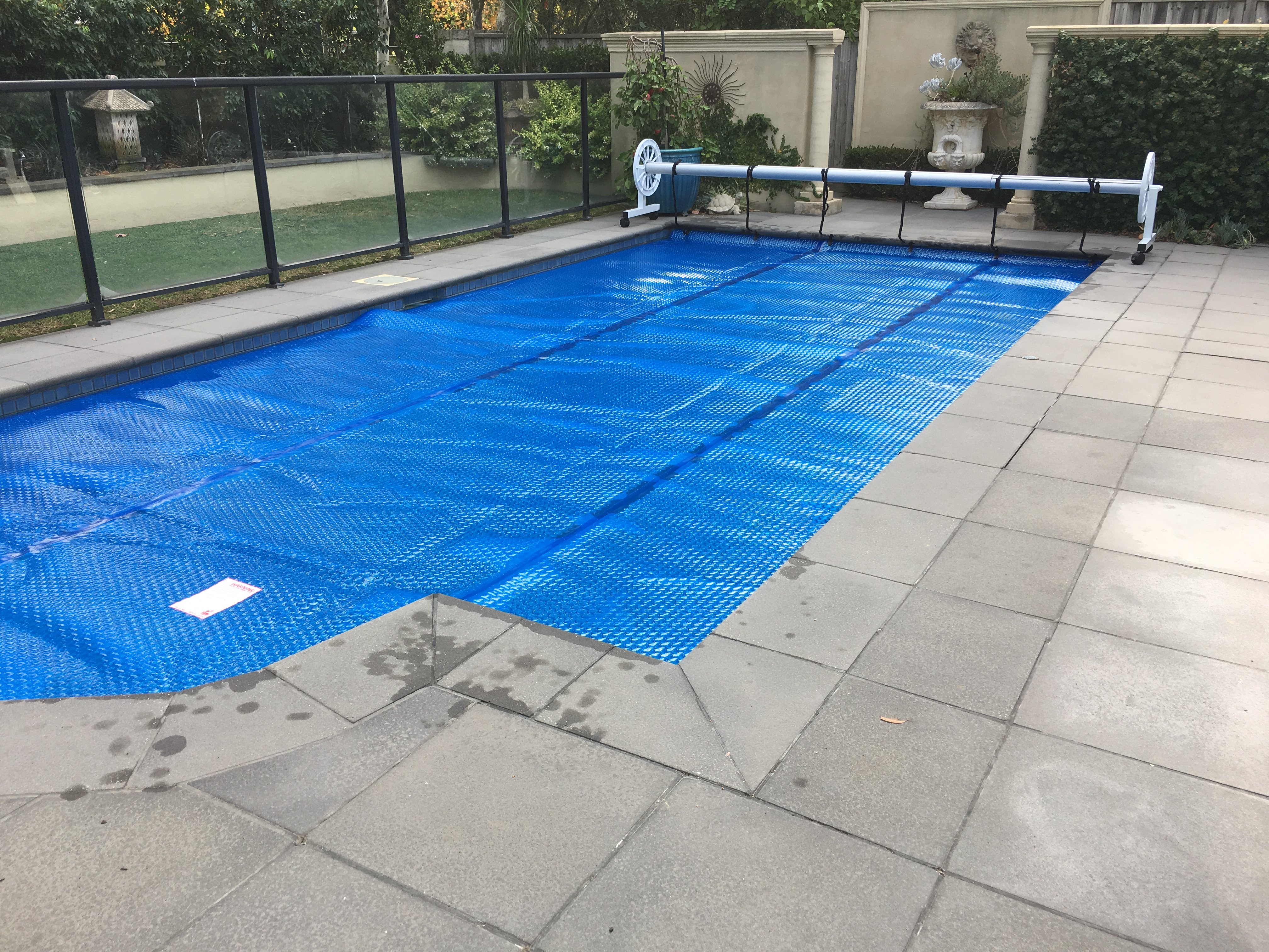 Triple cell aqua pool covers melbourne australia for Swimming pool covers melbourne